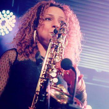 High on Heels - Female Musicians